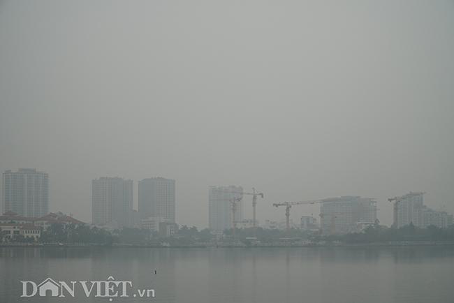 ẢNH: Nhiều tòa nhà ở Hà Nội chìm trong sương mù do ô nhiễm-9