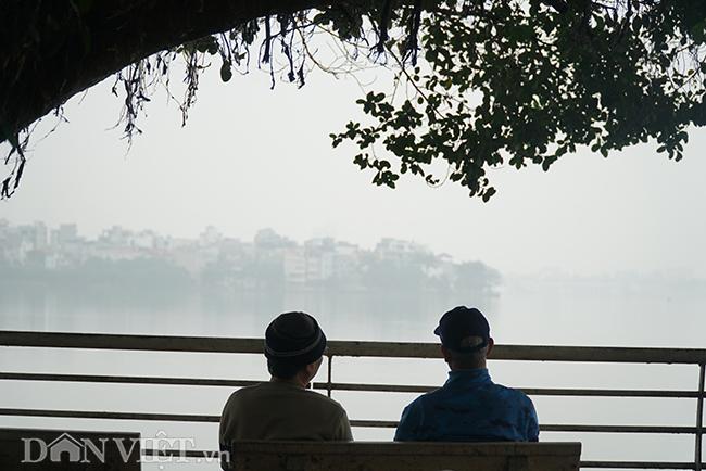 ẢNH: Nhiều tòa nhà ở Hà Nội chìm trong sương mù do ô nhiễm-13