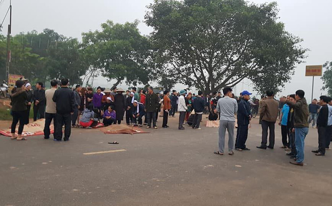 Hé lộ nguyên nhân ban đầu vụ xe khách đâm chết 7 người đi bộ đưa tang ở Vĩnh Phúc-1