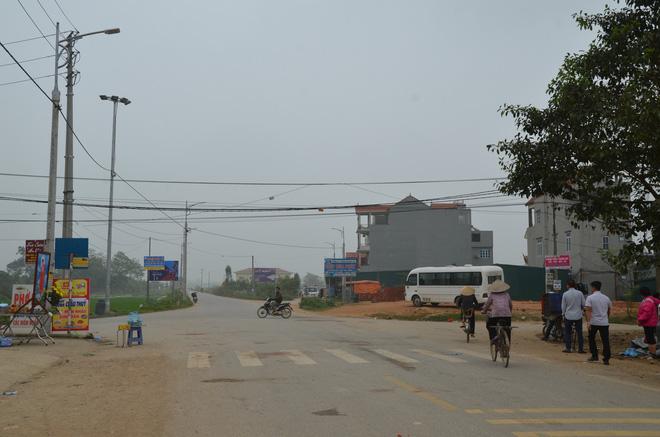 Hé lộ nguyên nhân ban đầu vụ xe khách đâm chết 7 người đi bộ đưa tang ở Vĩnh Phúc-2
