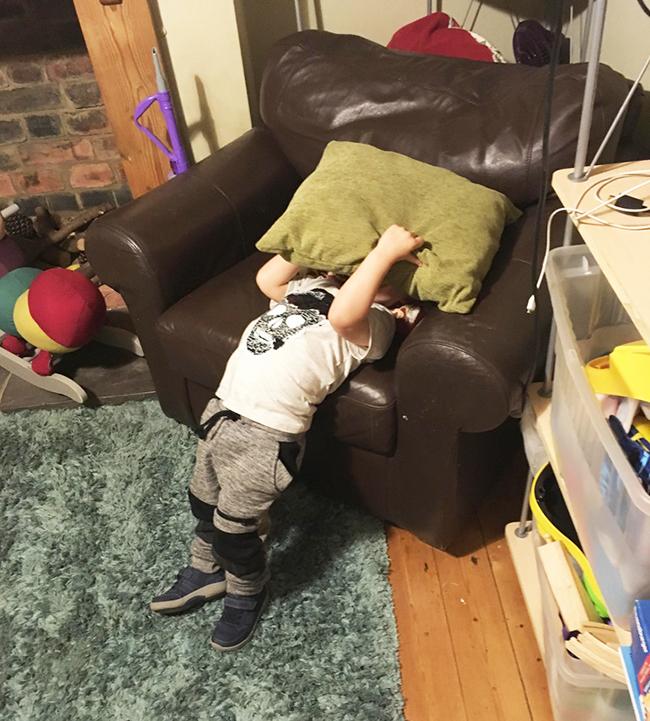 Sự ngây thơ của lũ trẻ khiến người lớn dở khóc dở cười-12