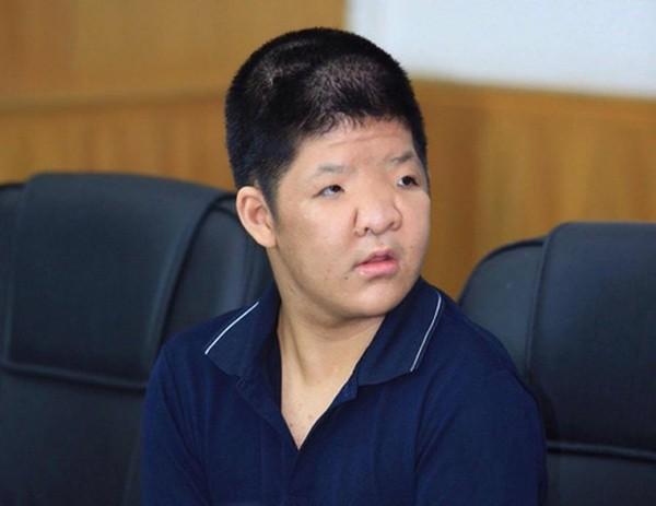 Gia cảnh đáng thương của 2 đạo diễn nổi tiếng Việt Nam phải bán nhà để chữa bệnh hiểm nghèo cho con-2