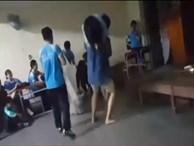 Giáo viên bị kỷ luật vì cho học sinh diễn kịch 'nóng' kiện hiệu trưởng