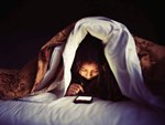 Chỉ vì nghiện smartphone mà nhiều người mọc gai nối dài ở sọ-3