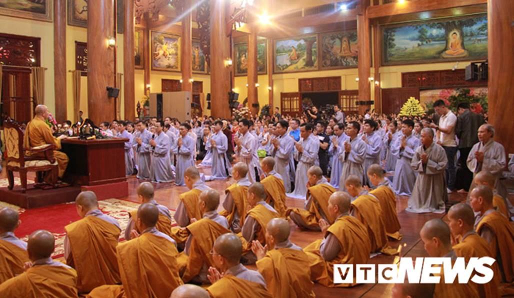 Đại đức Thích Trúc Thái Minh xin lỗi nhân dân, phật tử sau khi chùa Ba Vàng truyền bá vong báo oán-2