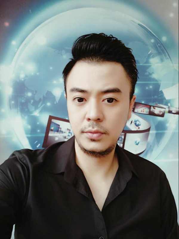 Bất ngờ với diện mạo của MC Tuấn Tú sau 5 năm ở ẩn, trở lại VTV-1