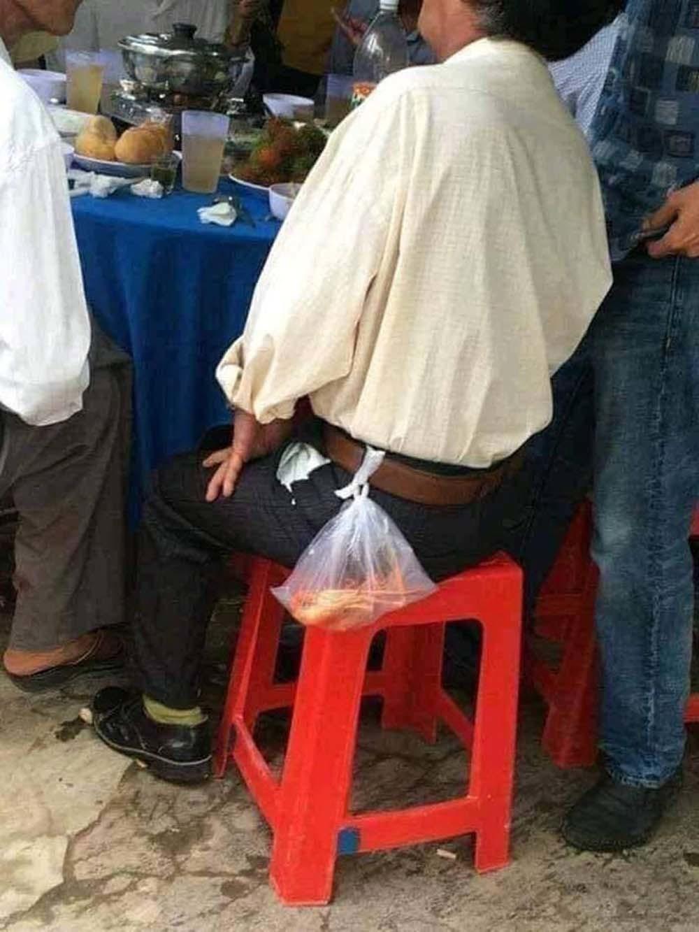 Sự thật việc đi ăn cỗ lấy phần bị phạt tiền ở Nam Định-1