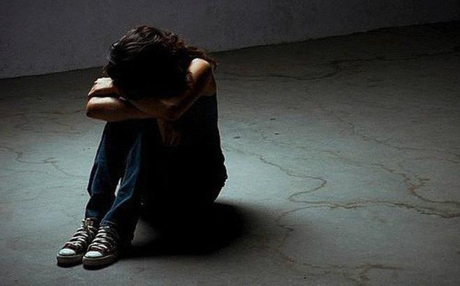Bắt người cha thú tính hiếp dâm con gái ruột 10 tuổi-1