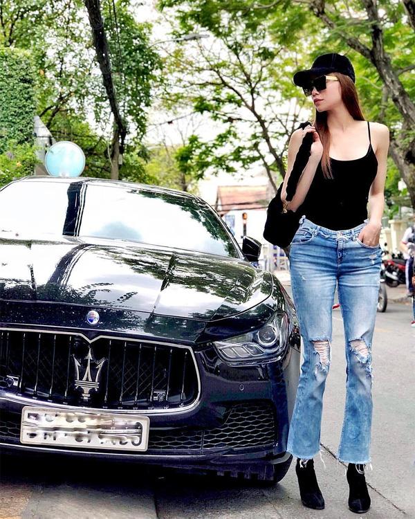 Chán ca hát, Hồ Ngọc Hà lái xe sang Rolls-Royce chạy Uber?-10