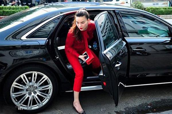 Chán ca hát, Hồ Ngọc Hà lái xe sang Rolls-Royce chạy Uber?-9