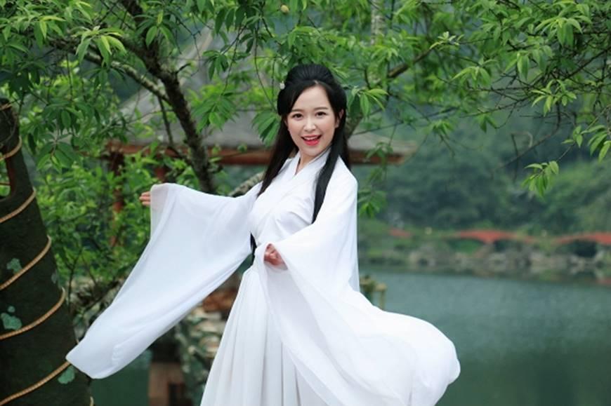 Lan Những cô gái trong thành phố tung ảnh xinh đẹp như Tiểu Long Nữ trong phim cổ trang-11