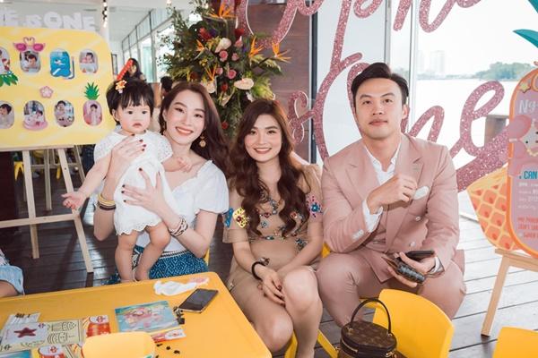 Con của Đan Trường, Tăng Thanh Hà, Hà Hồ - nhóm rich kid showbiz-14