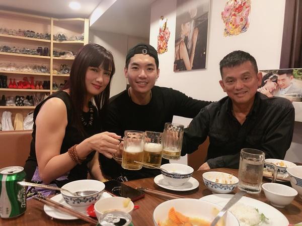 Hé lộ cuộc sống hôn nhân của Trương Nam Thành và bà xã đại gia hơn 15 tuổi, nhiều bất ngờ không như mọi người nghĩ-9