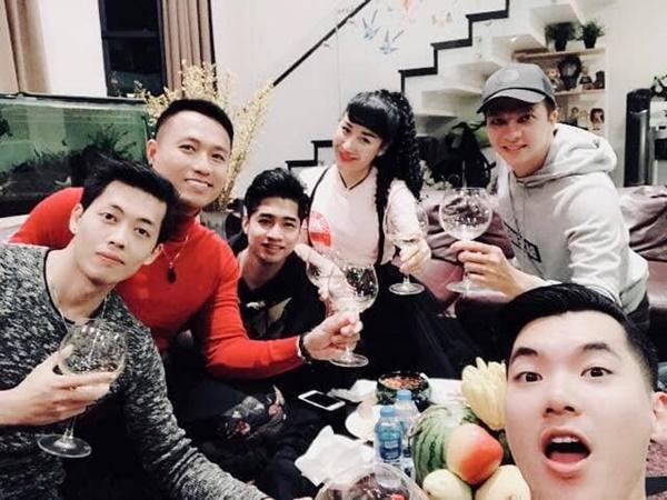 Hé lộ cuộc sống hôn nhân của Trương Nam Thành và bà xã đại gia hơn 15 tuổi, nhiều bất ngờ không như mọi người nghĩ-8