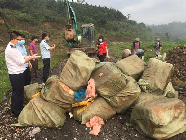Phát hiện 1.620 kg nầm lợn đông lạnh không hóa đơn chứng từ-1