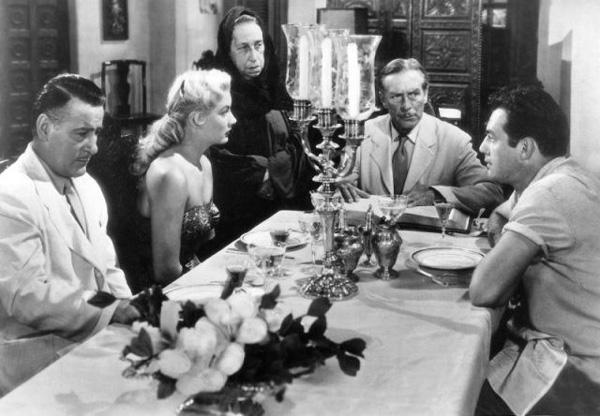 Được kì vọng là quả bom sex nổi tiếng không kém Marilyn Monroe nhưng mỹ nhân tóc vàng này lại trượt dài trong rượu chè, mại dâm-5
