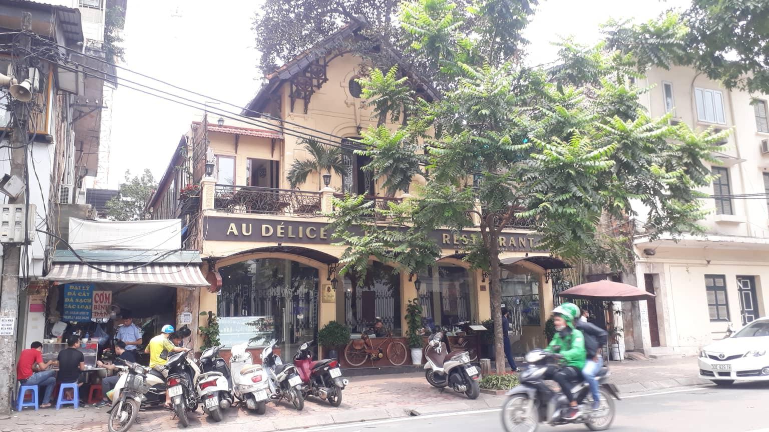 Hà Nội: Nam nhân viên nhà hàng sang trọng nghi sờ ngực và hành hung nữ đồng nghiệp-1