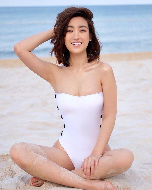 Đụng kiểu áo tắm hở bạo với Hà Hồ và Đỗ Mỹ Linh, Phương Khánh chẳng hề kém cạnh vì...-5