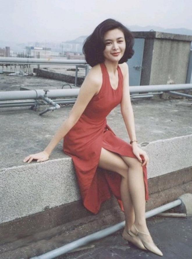 Tỷ phú phong lưu nhất Hong Kong: Chuyên săn mỹ nhân, U70 lấy thêm vợ đẹp kém 30 tuổi-6