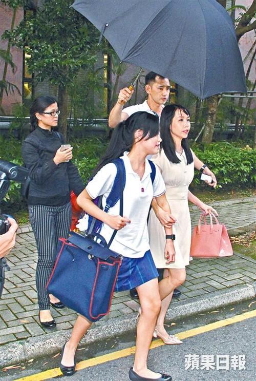 Tỷ phú phong lưu nhất Hong Kong: Chuyên săn mỹ nhân, U70 lấy thêm vợ đẹp kém 30 tuổi-12