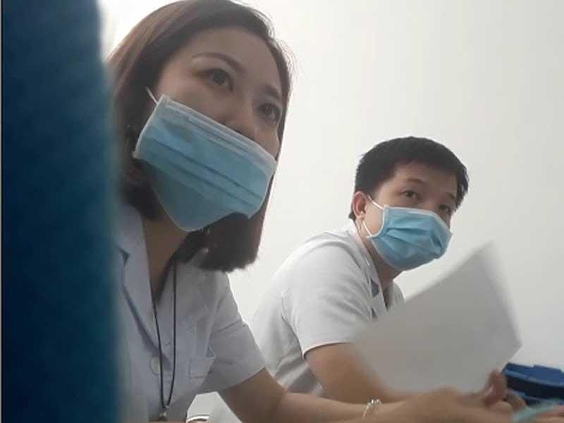 Phòng khám Trung Quốc: Cho phiên dịch khám bệnh, moi tiền-3