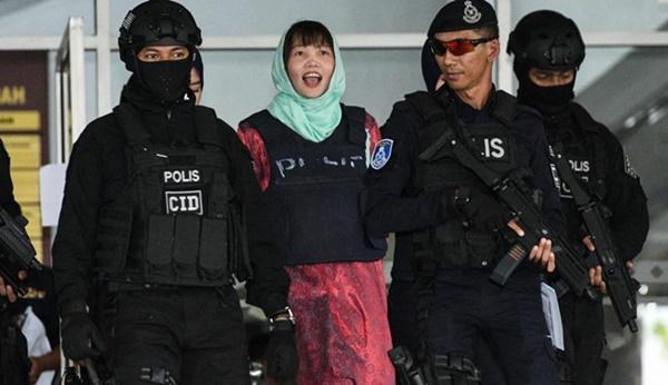 NÓNG: Đoàn Thị Hương mỉm cười rời tòa, chờ ngày tự do-1