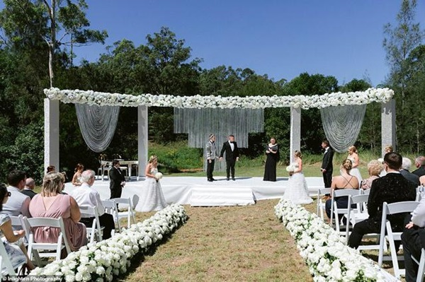 Siêu đám cưới 23 tỷ toàn kim cương và pha lê, danh tính cô dâu chú rể càng bất ngờ-6