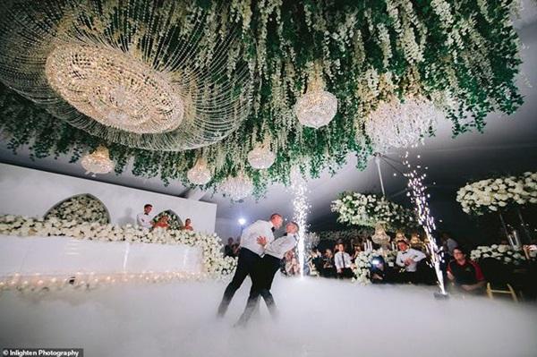 Siêu đám cưới 23 tỷ toàn kim cương và pha lê, danh tính cô dâu chú rể càng bất ngờ-7