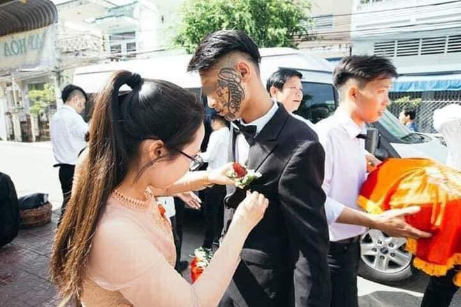Chú rể mang khuôn mặt hot nhất mạng xã hội ngày Cá tháng Tư-3