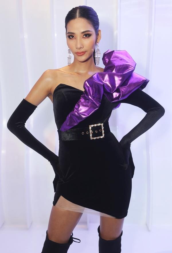 Phượng Chanel mặc quần đùi dự sự kiện - Diva Hồng Nhung rườm rà vì chiếc đầm khủng-6