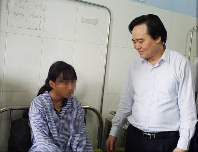 Nữ sinh Hưng Yên bị đánh hội đồng đã ổn định tâm lý, muốn quay lại học-1