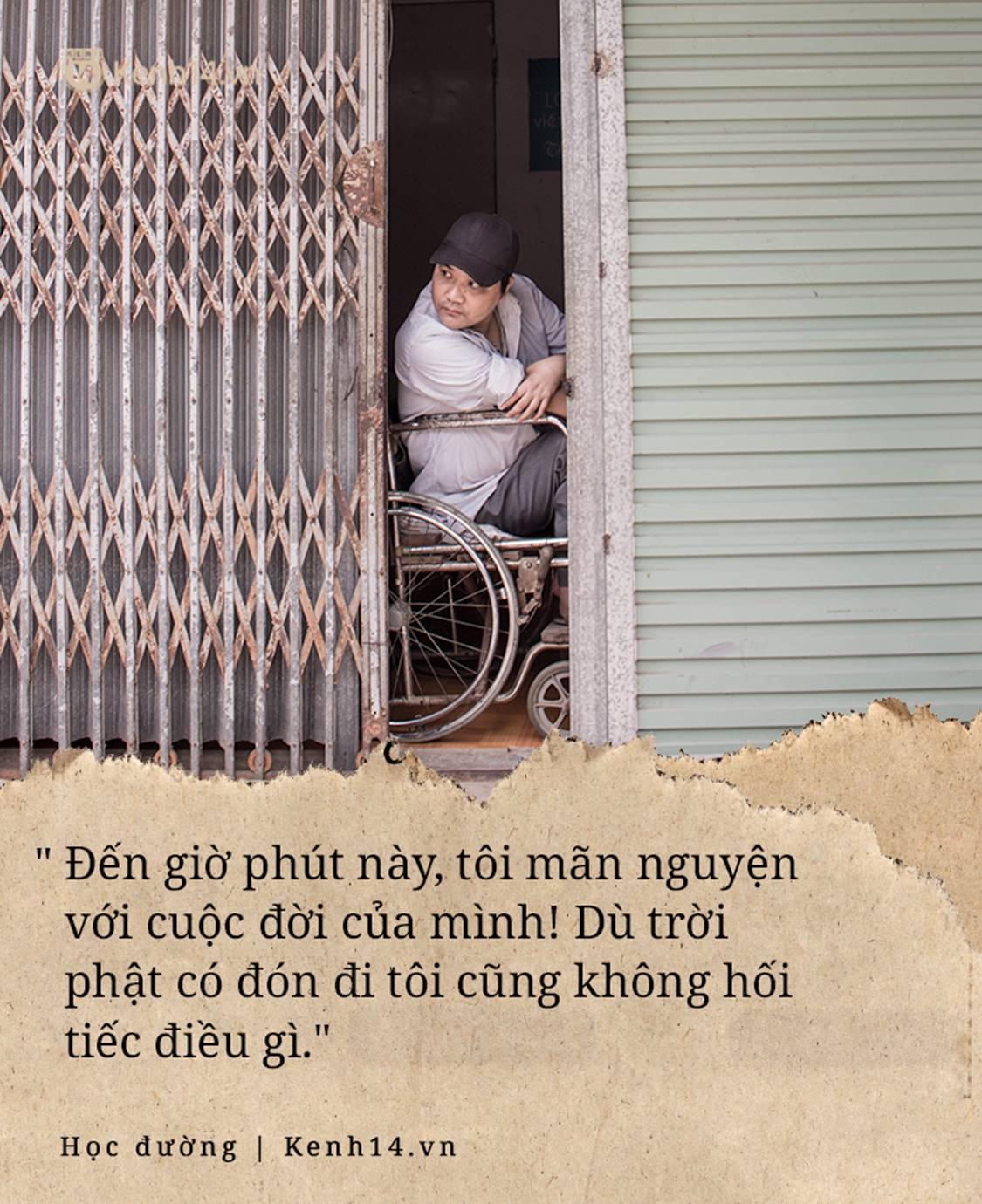 Chuyện về người thầy liệt tay chân, viết chữ bằng miệng vẫn dạy học cho trẻ em nghèo: Tôi không đi chữa bệnh vì có xu nào dành hết cho con ăn học-13