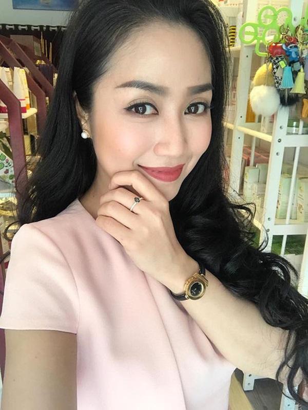 Cuộc sống giàu sang của Ốc Thanh Vân với người chồng kém sắc, từng là học sinh cá biệt-1