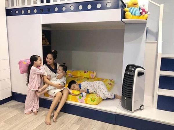 Cuộc sống giàu sang của Ốc Thanh Vân với người chồng kém sắc, từng là học sinh cá biệt-5