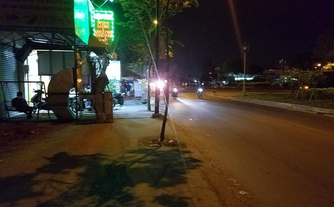 Ly kỳ nghi can cướp tiệm vàng bị bắt sau khi núp dưới kênh trốn suốt 10 giờ ở Sài Gòn-2