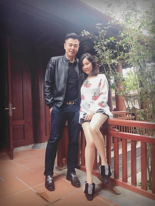Từng bị gièm pha nhan sắc lúc mới cưới, vợ MC Tuấn Tú gây bất ngờ khi lão hóa ngược ở tuổi 35-1