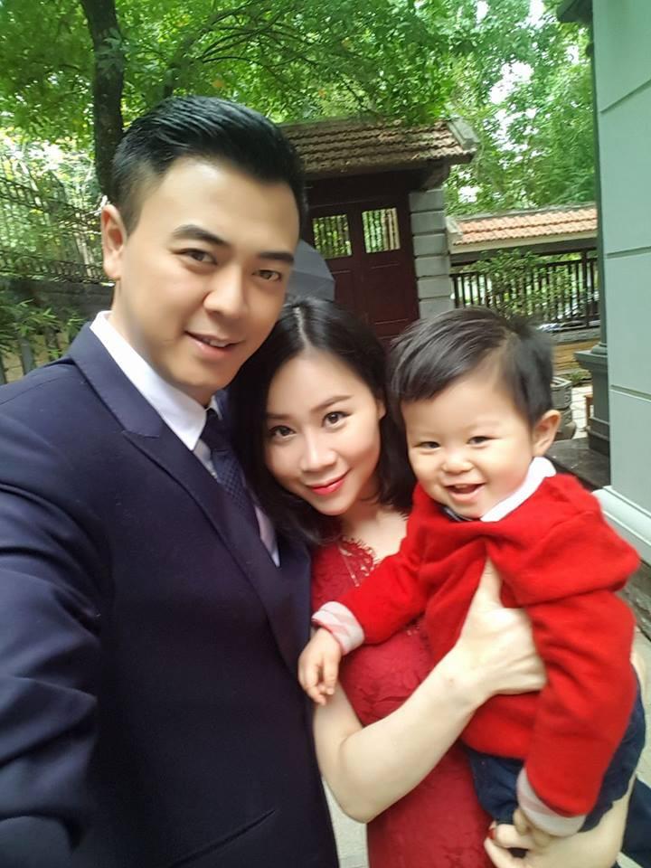Từng bị gièm pha nhan sắc lúc mới cưới, vợ MC Tuấn Tú gây bất ngờ khi lão hóa ngược ở tuổi 35-7