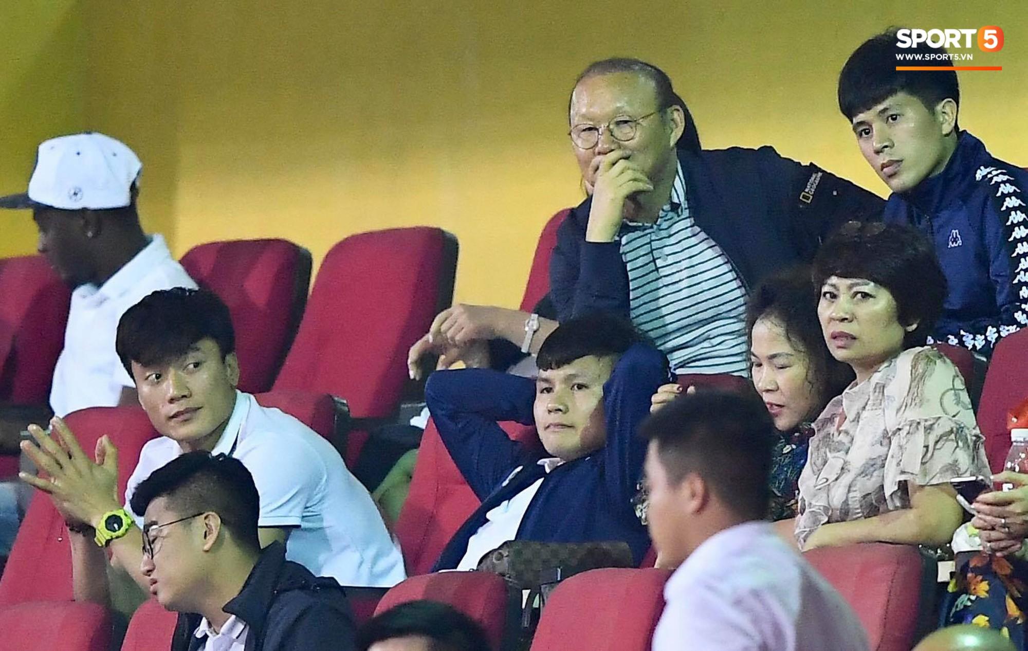 HLV Park Hang Seo, thủ môn Tiến Dũng phản ứng đầy cảm xúc khi Hà Nội FC thua ở AFC Cup 2019-5