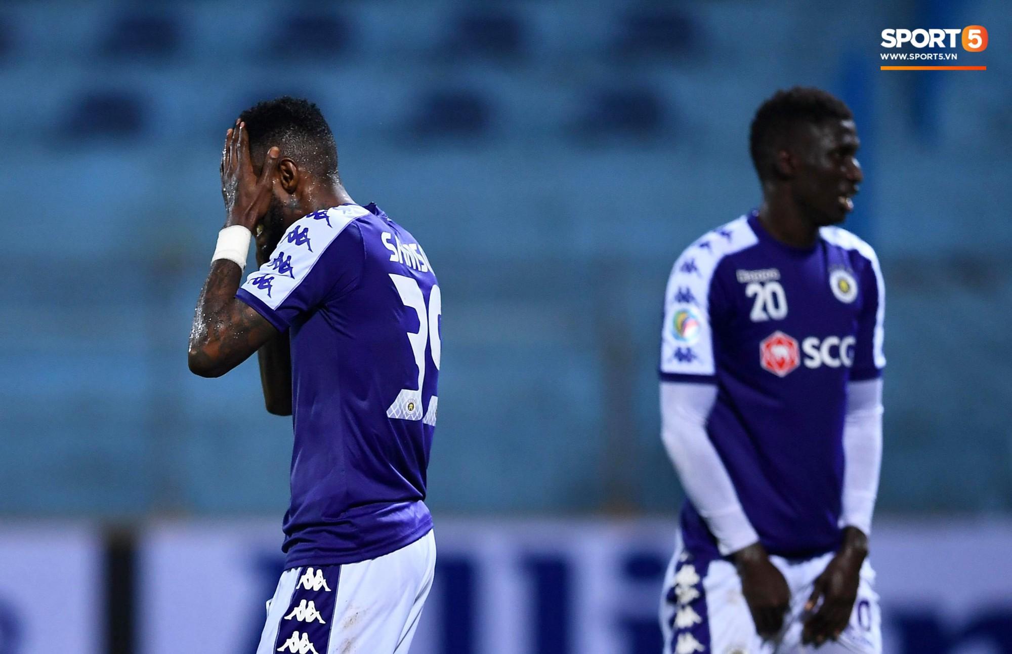 HLV Park Hang Seo, thủ môn Tiến Dũng phản ứng đầy cảm xúc khi Hà Nội FC thua ở AFC Cup 2019-6
