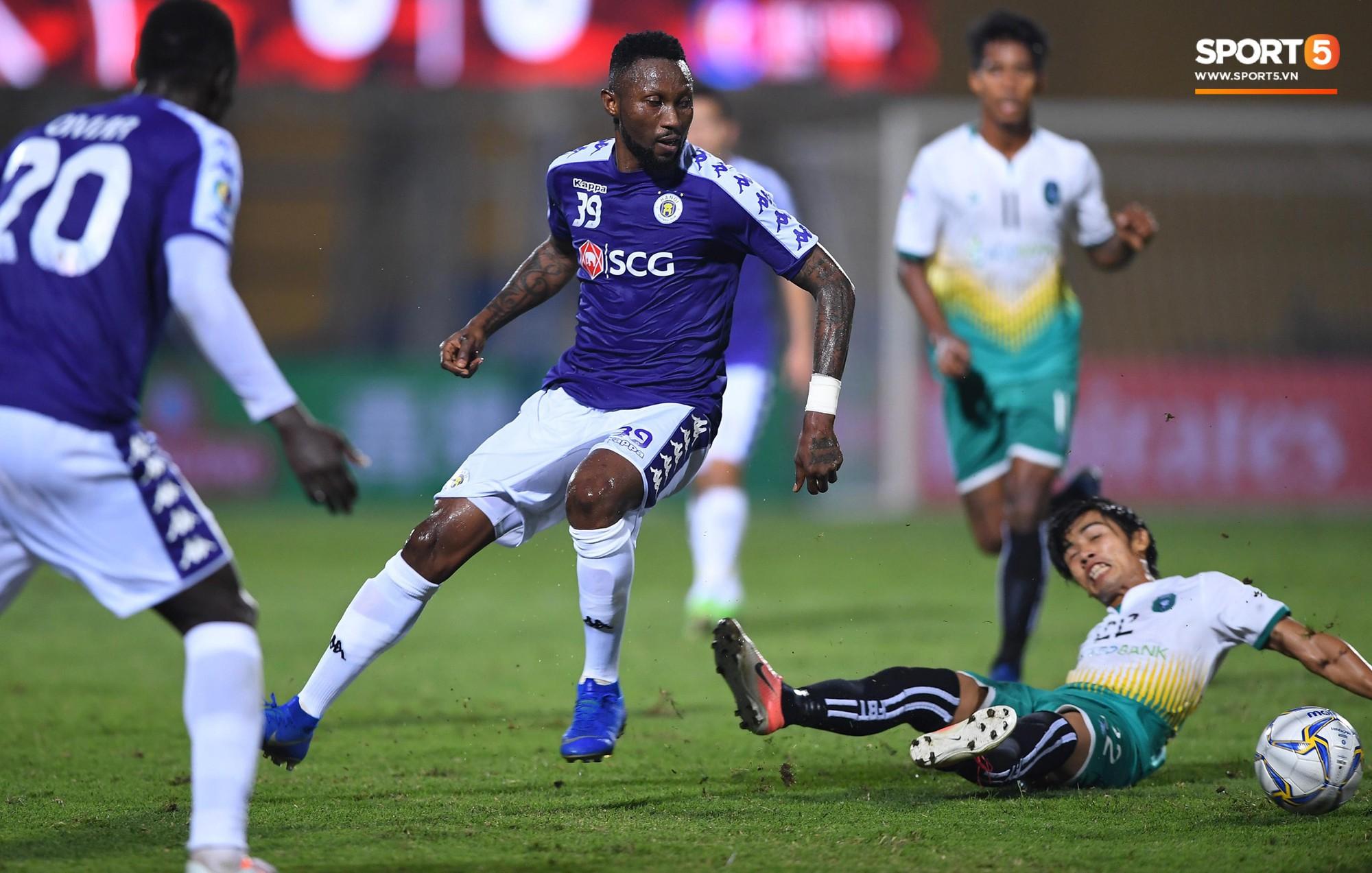 HLV Park Hang Seo, thủ môn Tiến Dũng phản ứng đầy cảm xúc khi Hà Nội FC thua ở AFC Cup 2019-9