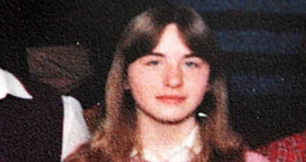 Câu chuyện ám ảnh về cuộc đời cô gái bị cha ruột giam cầm dưới tầng hầm trong chính nhà mình suốt 24 năm, hãm hiếp 3000 lần không ai hay biết-1