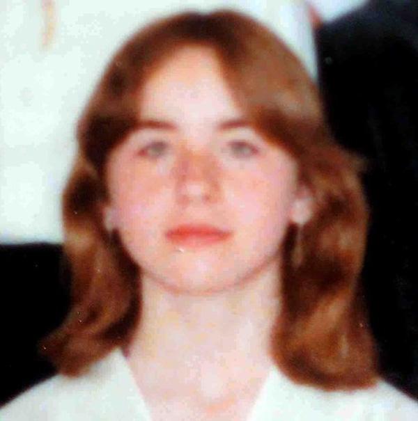 Câu chuyện ám ảnh về cuộc đời cô gái bị cha ruột giam cầm dưới tầng hầm trong chính nhà mình suốt 24 năm, hãm hiếp 3000 lần không ai hay biết-2