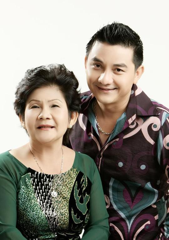 Mẹ của nghệ sĩ Anh Vũ: Thương con cả đời hiếu thảo với mẹ, với gia đình!-1