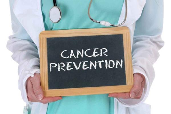 Bác sĩ bệnh viện Việt Đức chia sẻ cách phòng bệnh ung thư đầy đủ từ ăn đến thở-3