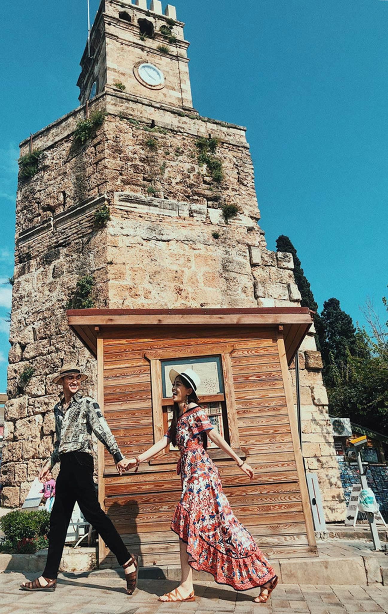 Á hậu Phương Nga, Bình An diện đẹp, dắt tay nhau du ngoạn Thổ Nhĩ Kỳ-1