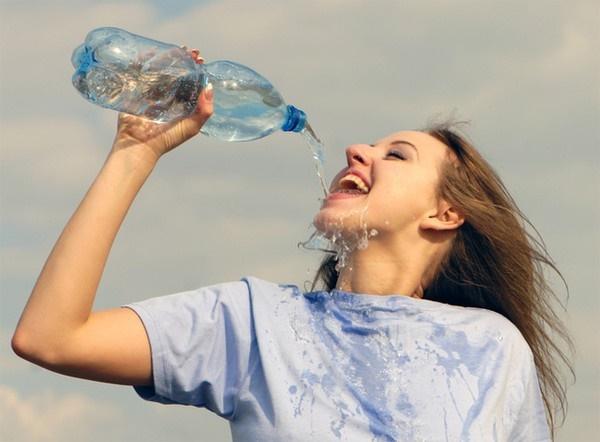 Từ chuyện cô gái 20 tuổi bị ngộ độc nước, xem lại những lưu ý khi uống nước mà bất kì ai cũng phải biết-2