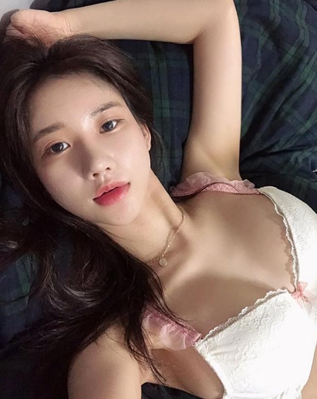 3 cô gái Hàn mặt ngây thơ, thân hình đẹp tới mức khó tin có thật-12