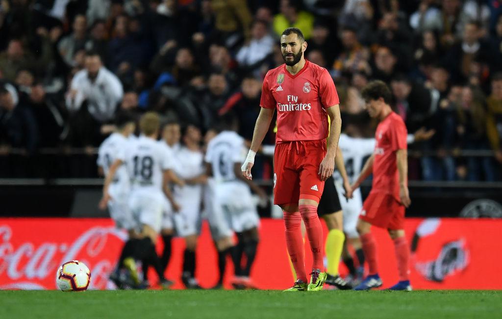 Zidane nhận thất bại đầu tiên ở nhiệm kỳ 2 khi Real Madrid thua bạc nhược Valencia-8