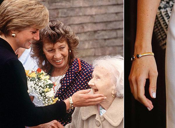 Tuyên bố mới gây sốc: Nữ hoàng Anh cấm Meghan sử dụng đồ trang sức của Công nương Diana quá cố nhưng Kate thì được phép vì lý do bất ngờ này-4