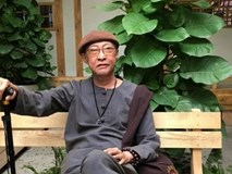 Đã đau đớn vì bệnh tật hành hạ, vì sao nghệ sĩ Lê Bình phải thuê người chăm sóc trả lương?